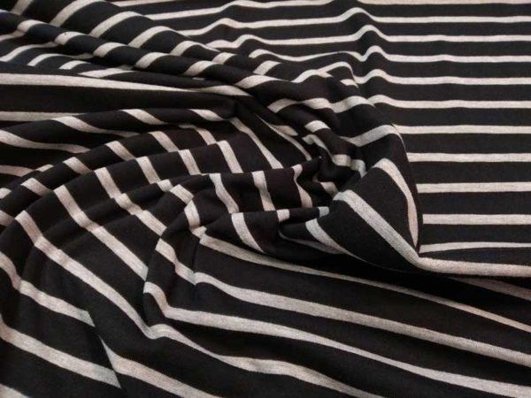 Punto de camiseta negro con rayas grises