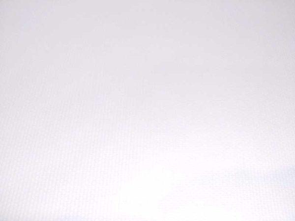 Piqué de canutillo color blanco